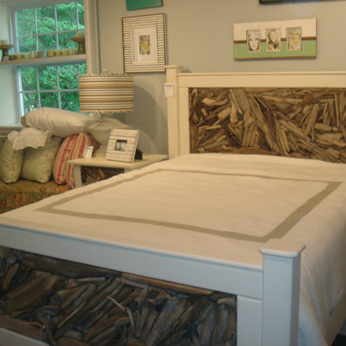 Cottage Driftwood Bed in White
