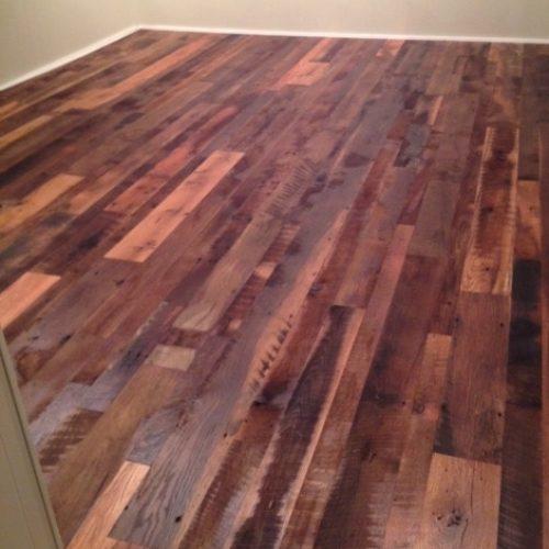 Reclaimed Oak Floor with Roasty Toasty Finish